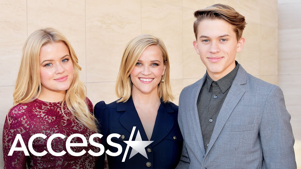 Reese Witherspoon Was 'Terrified' Over Being Pregnant At 22