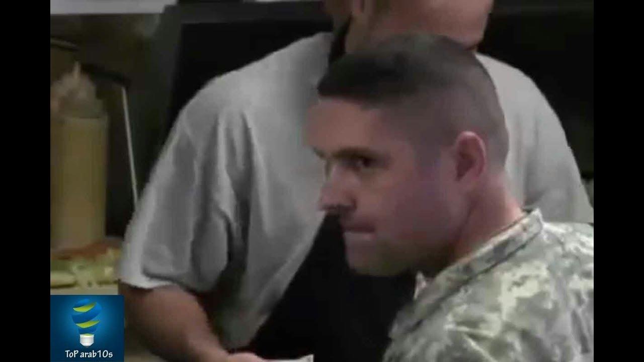 شاهد ماذا فعل هذا الجندي الأمريكي مع  الشاب العربي فى المطعم _ بالتأكيد لن تصدق..!!