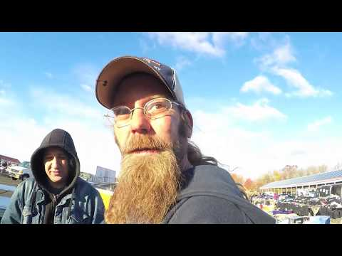 Cold Day at the Flea market. We find Deals indoors!!! Naztalgic Fleas #22