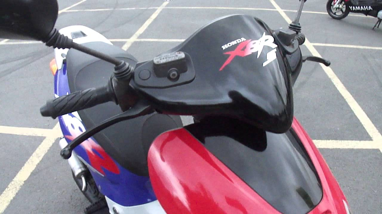 2001 Honda X8r S Szx 50 2t Ac Scooter Moped Bike 50mph Vgc 1 Owner