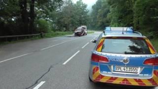 Frauenleiche in ausgebranntem Auto gefunden