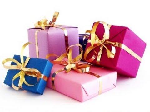 tips para navidad envuelve tus regalos de maneras distintas y lazos pomposos a mano