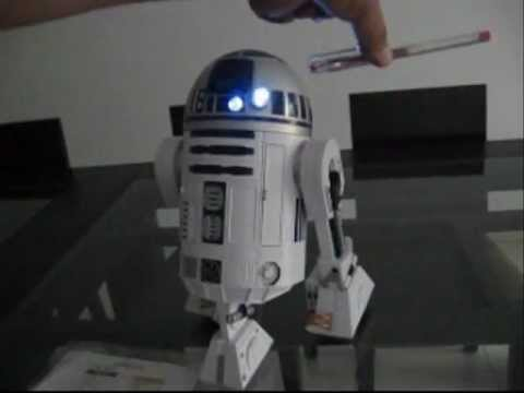 R2 D2, ARTURITO, INTERACTIVE ASTROMECH DROID, LIMA PERU (2/2)