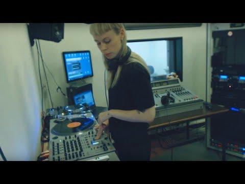 Mama Snake in TweakFM (Ectotherm, Apeiron Crew)