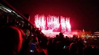Салют на Красной площади - день города 870 лет Москве