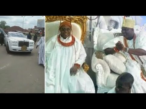 Oba of Benin Visits Ooni Of Ife, Arrives in Grand Style