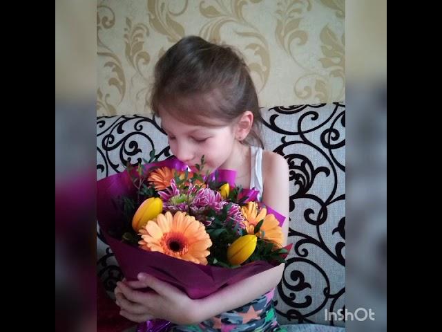 Изображение предпросмотра прочтения – ЕкатеринаПальченко читает произведение «Очень-очень вкусный пирог» Д.И.Хармса