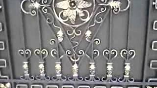 Просто шикарные кованые ворота установлены в Алчевске(http://kovka.vov.ru/vor.html Как то был на Васильевке в Алчевске и увидел там такие шикарные ворота. Таких просто наверно..., 2011-05-13T09:51:42.000Z)