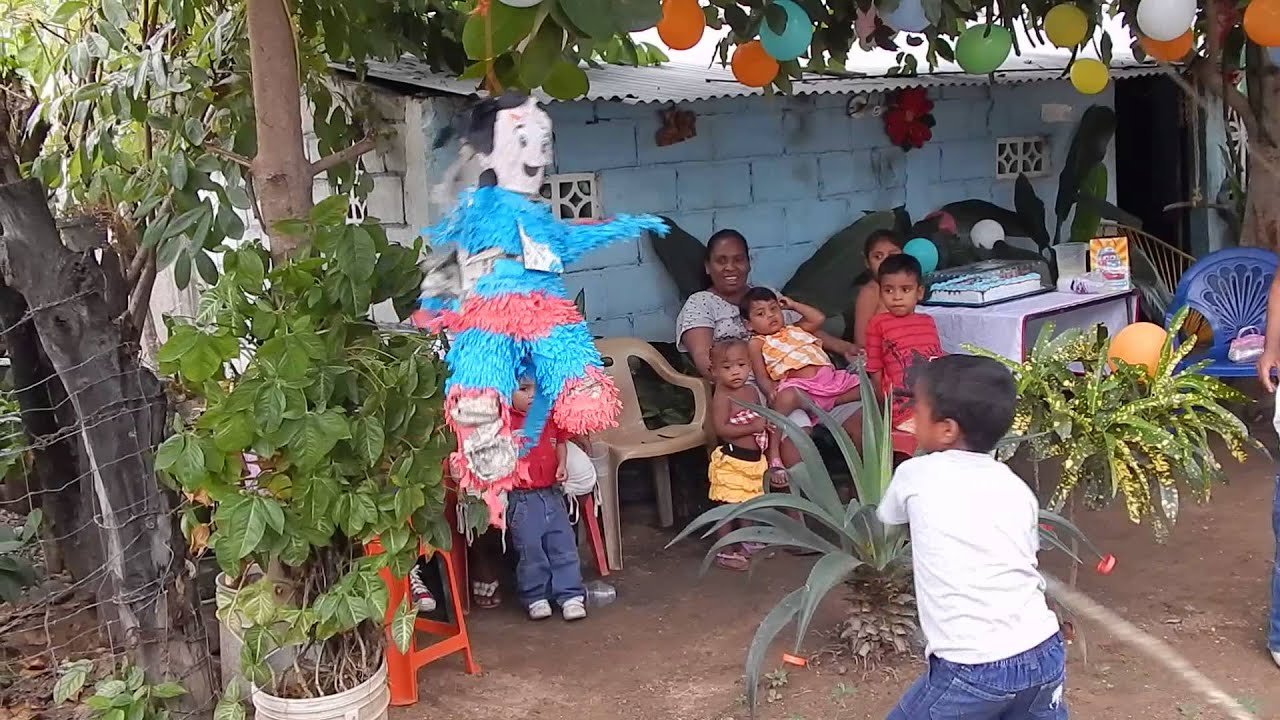 Cuaji mexico ni os rompen la pi ata cumplea os youtube - Fiestas cumpleanos ninos en casa ...
