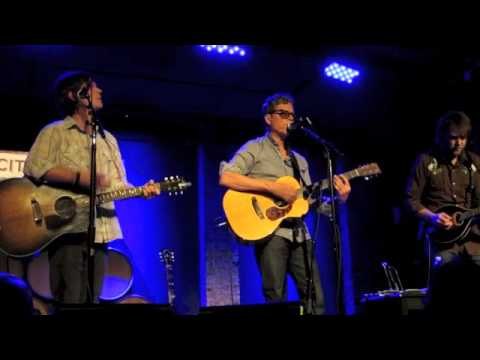 "Gary Louris @ City Winery - ""I'd Run Away"""