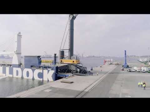 Liebherr - Mobile Harbour Crane LHM 800: RoRo shipment from Germany to Chile