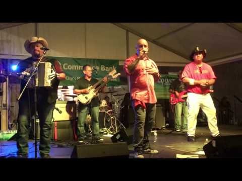Art Tigerina Band with Sunny Sauceda - Botoncito De Carino & Estupido Corazon Kansas City 09-17-16