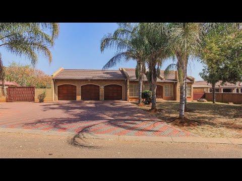 4 Bedroom House for sale in Gauteng | Pretoria | Northern Pretoria | Chantelle | 157 Pl |