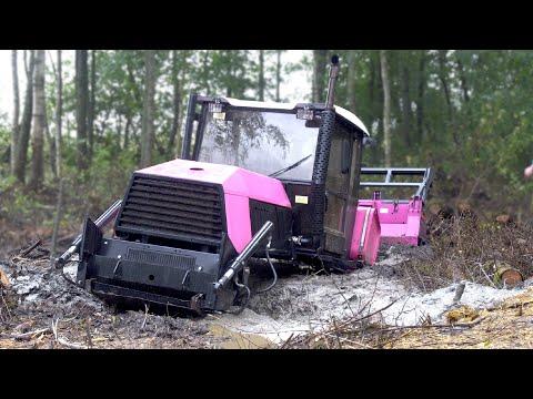 Спасение болотного трактора