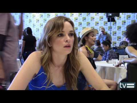 Danielle Panabaker Interview - THE FLASH SEASON 3