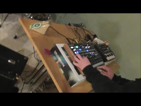 Improvised live set (DrumBrute & MicroBrute synth jam)