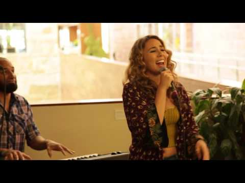 "Haley Reinhart - ""Oh! Darling"" (The Beatles) live @ Dell Children"