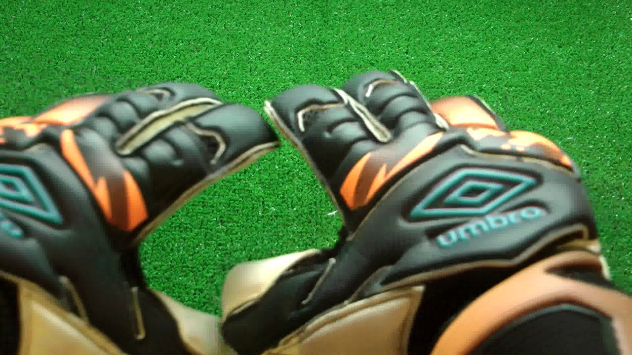 ccbf306ac886 Umbro Neo Valor DPS Goalkeeper Gloves Preview - YouTube