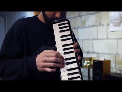 Art-X & The Radiators - Breezy [Video Clip] Mp3
