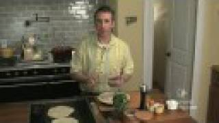 Video Recipe: Quesadilla With Chicken And Pinto Beans