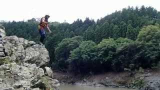 保津川ラフティング名物「飛び込み岩」からのジャンプ②ゆうじろう20140607