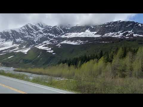 Прекрасное время года на Аляске.
