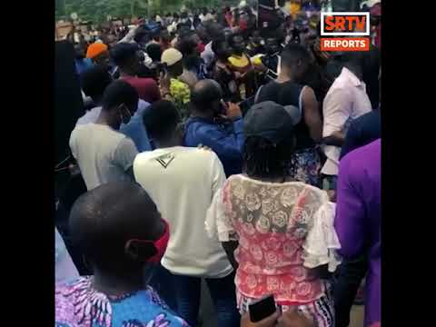 Lagos Protesters Hold Protest Sunday Service Outside Lagos State Government House