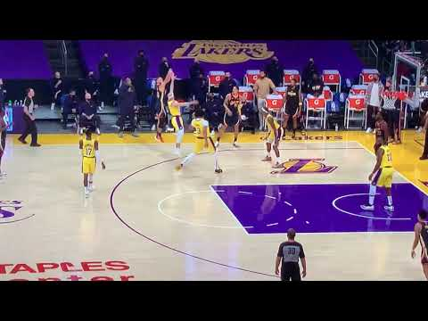 Steph Curry Hits Clutch 3 To End 1st Half Of Warriors Lakers Play-In 55 - 42 - Vlog