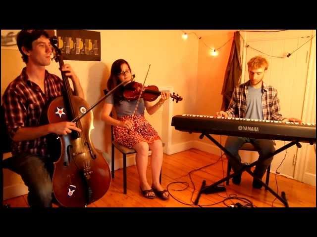 Adrianna Ciccone Trio - L'accrocche pied