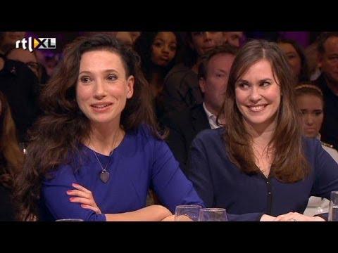 Anonieme Zuidas-dames zetten masker af - RTL LATE NIGHT