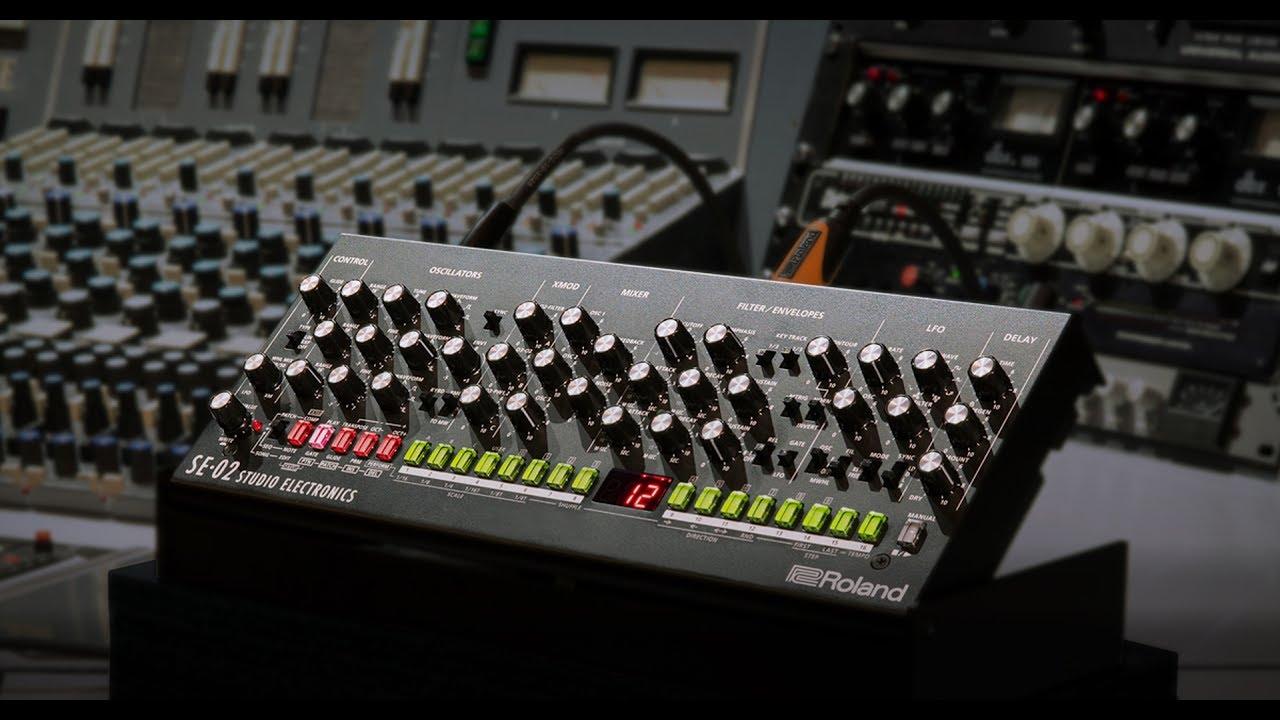 Boutique SE-02 Analog Synthesizer