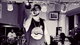 "Andy Mineo Performing ""Uno Uno Seis"" Live At The Holy Dayz Bash 2."