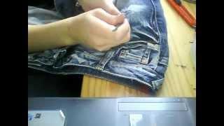 Löcher für eine zerrissene Jeans..