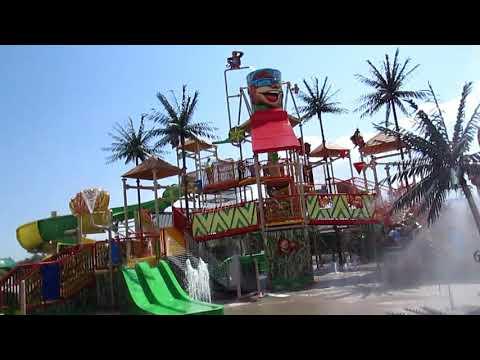 Banana's Fun Park: Water Park exploration