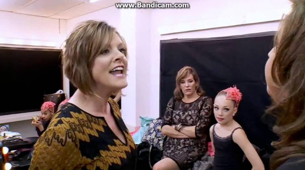 Dance Mom Kelly Hits Abby Lee Miller Dance Moms Season 4 Youtube