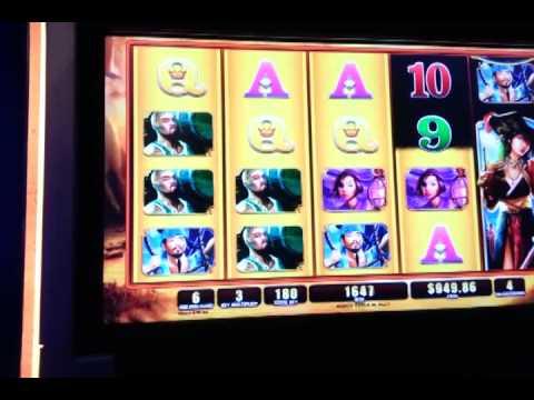 Pirate Queen Slot Machine