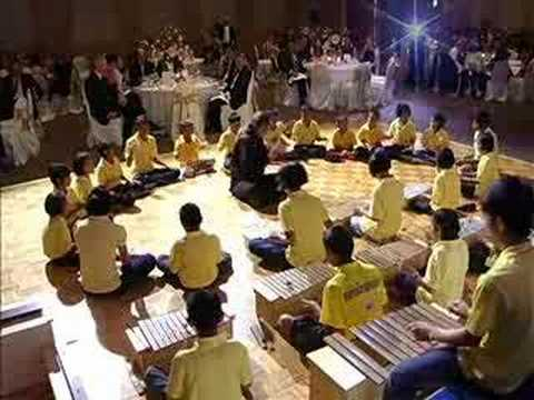 Concert by AIDS orphans in Bangkok