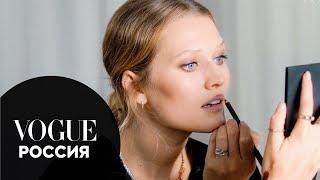 Тони Гаррн показывает макияж для красной ковровой дорожки Vogue Россия