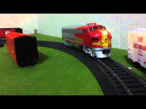 "Bachmann ""HO"" F7 A Diesel Locomotive (DCC Sound), Light, Bell, Horn demonstration"