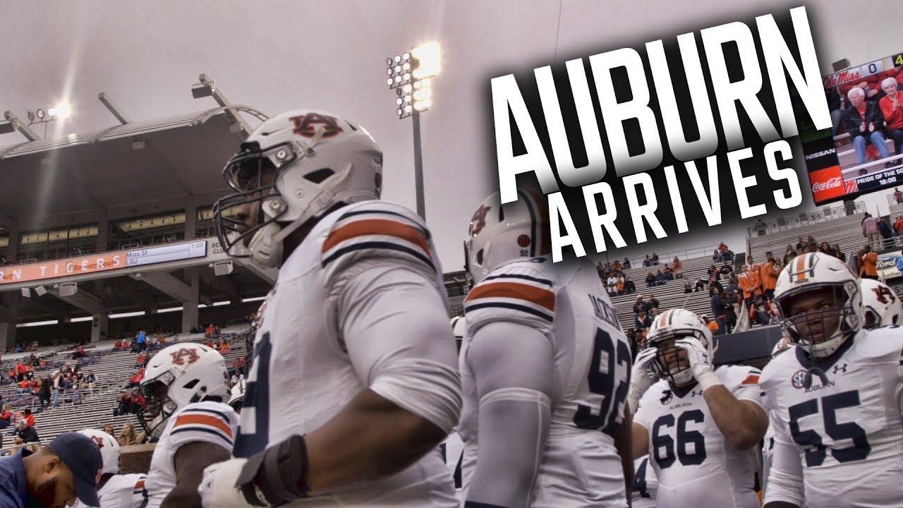 watch-auburn-arrive-at-vaught-hemingway-stadium
