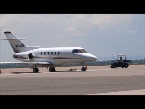 Hawker Beechcraft - Hawker 800XP - Engine Start, Taxi