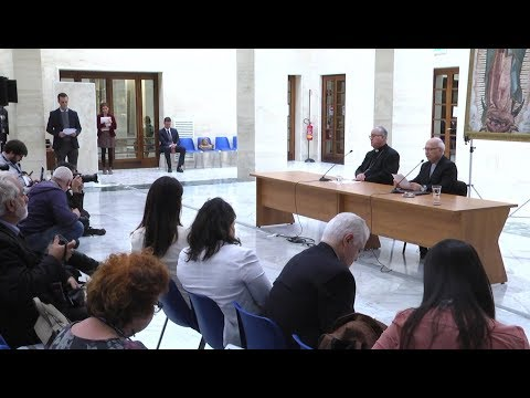 All Chilean bishops present letters of resignation to pope after abuse cases