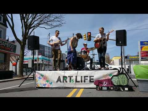 Philadelphia Folksong Society presents Co-op act Earth Radio at 2018 Roxborough Art is Life Festival
