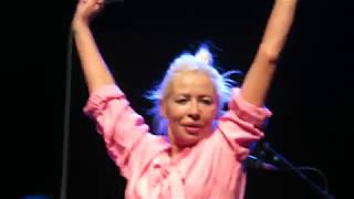 Wendy James - Baby I Don't Care (Glasgow 2019)