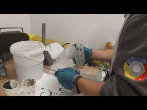 Pouring the epoxy into leg base