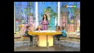 Рисование ладошками.Начало.mp4(А давайте рисовать вместе! О том, как рисовать ладошками расскажут и покажут вместе с ребятишками фея Фиалк..., 2012-04-23T10:54:49.000Z)