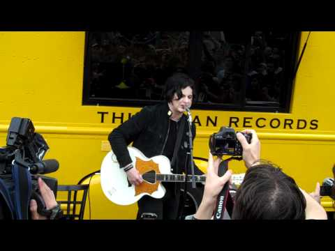 Jack White SXSW 2011 performance from the Third Man Records Rolling Record Store Mp3