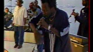 The Fugees : ? & Wyclef Jean : We trying to stay alive (NPA live - Cannes festival, 13.05.1997)