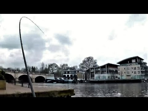You NEVER Know OR Expect It !! London River Thames FUN Feeder Fishing