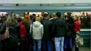 Утро в Московском метро - Morning in Moscow subway